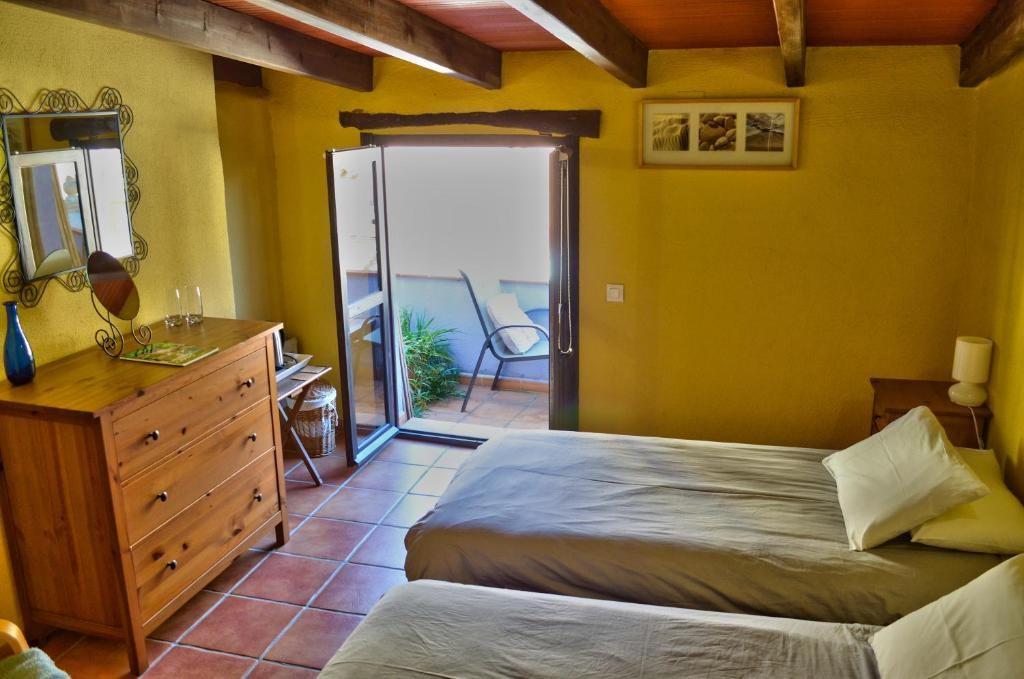 Zweibettzimmer mit Terrasse und eigenem Bad